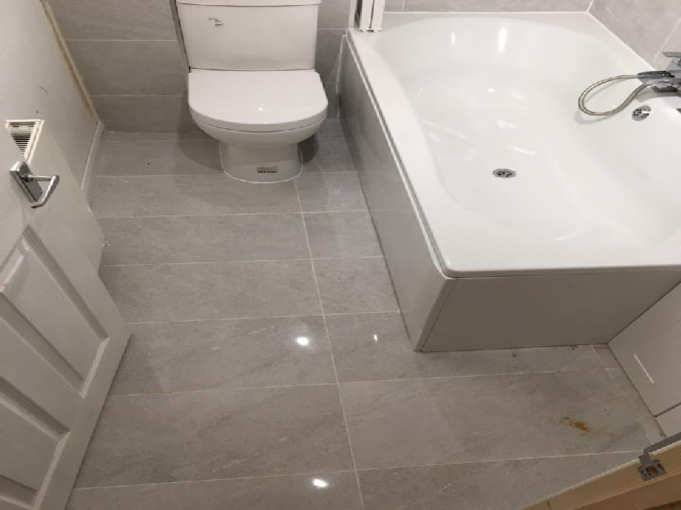 Bathroom fitter photo gallery with bathroom fitter for Bathroom fitters near me