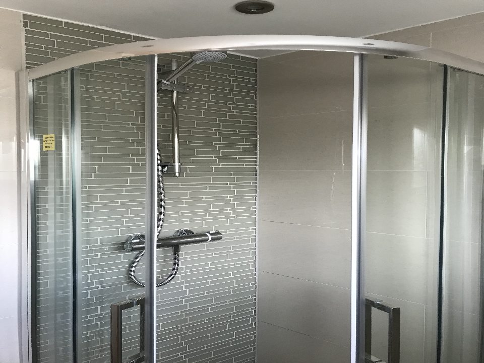 cost to tile bathroom shower