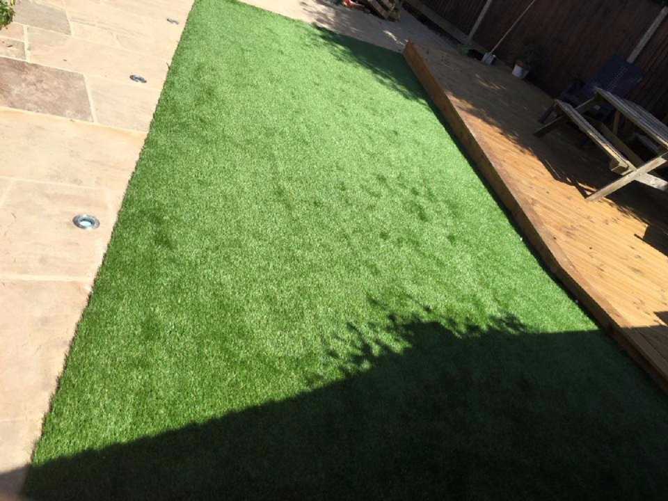 artificial grass fitting prices near me in ascot, bracknell, wokingham, sunningdale, sunninghilll3